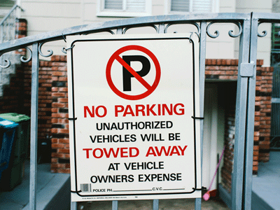 Towing sign